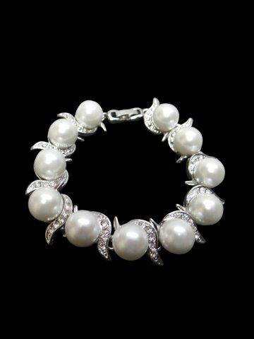 https://static8.cilory.com/115683-thickbox_default/trendy-women-bracelet.jpg