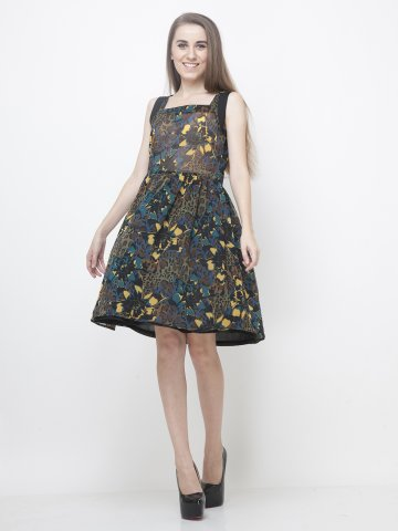 https://static6.cilory.com/140508-thickbox_default/yoshe-floral-printed-dress.jpg