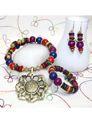 https://static2.cilory.com/25971-thickbox_default/handicraft-fashion-neckwear-set.jpg