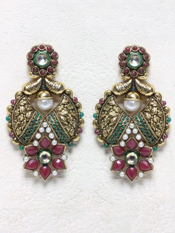 https://static9.cilory.com/41960-thickbox_default/ethnic-polki-work-earrings-carved-with-stone-and-beads.jpg