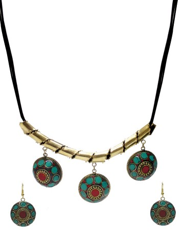 https://static9.cilory.com/73143-thickbox_default/ravishing-handicraft-neckwear.jpg